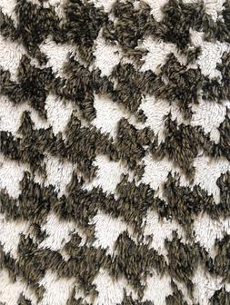 Abyss Habidecor Couture Bath Mat Rug in Houndstooth pattern